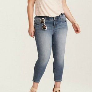 Torrid Skinny Cropped Ankle Jeans High Waisted Plus size 24 light Wash Boho